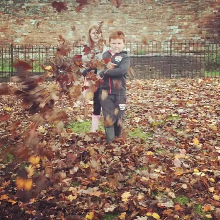 Leaf kicking