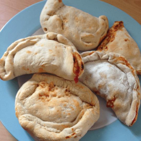 Pizza calzones