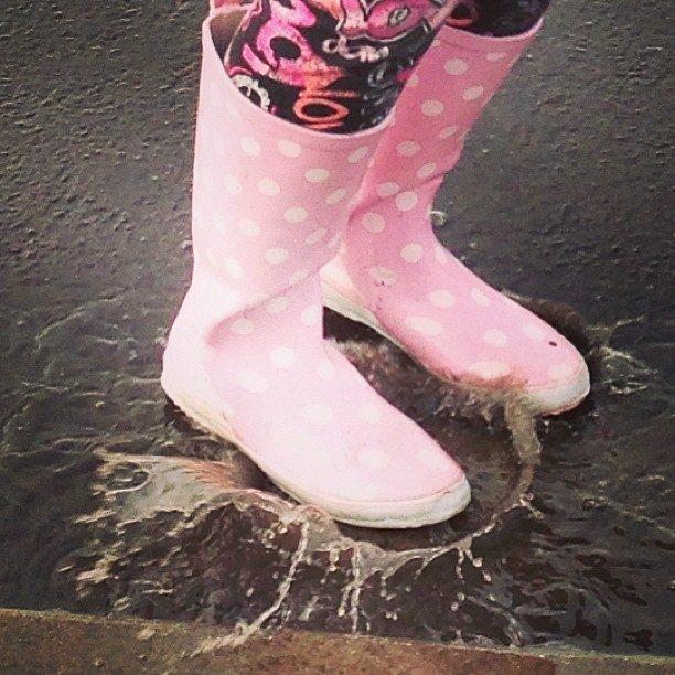 Splash in muddy puddles