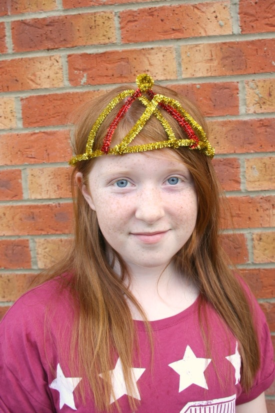 homemade pipe cleaner crown