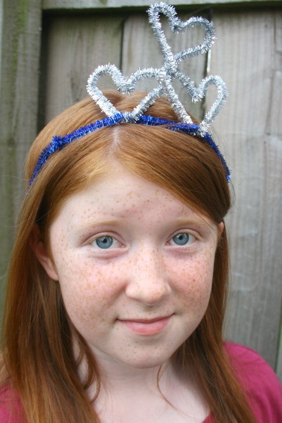 homemade pipe cleaner crowns