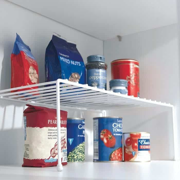 Shelf organiser