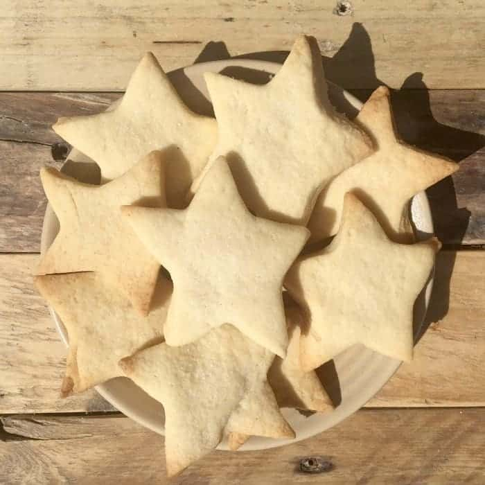 A super easy recipe for homemade shortbread.  Great for cooking with kids or just impressing people with your incredible biscuit making skills.