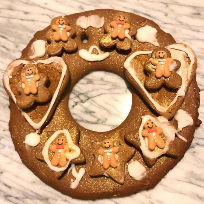 How to make an amazing Gingerbread wreath for Christmas #handmadeChristmas