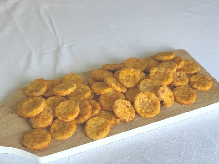 Amazing Homemade Mini Cheddars! Tasty, easy and cheap!