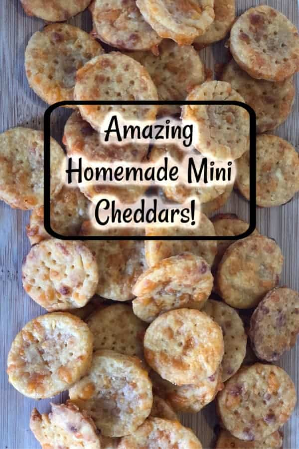 Amazing Homemade Mini Cheddars! Tasty, easy and cheap! #homemade #snacks #packedlunch