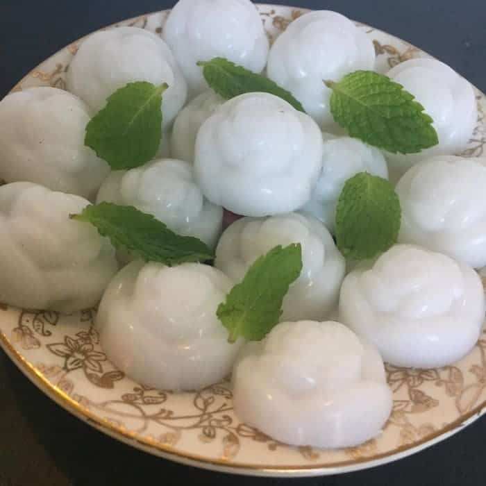 Homemade Coconut oil bath melts