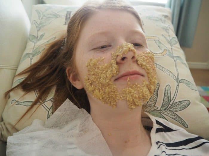 DIY Lush Oatifix Facemask