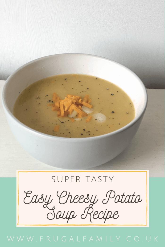 Easy Cheesy Potato Soup Recipe. The perfect easy soup recipe! #soup #soupersoup #lunchideas