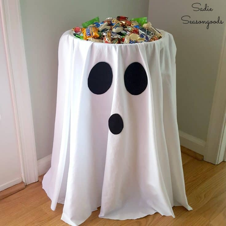 Halloween Candy Bowl / Ghost Decoration from a Sewing Bucket