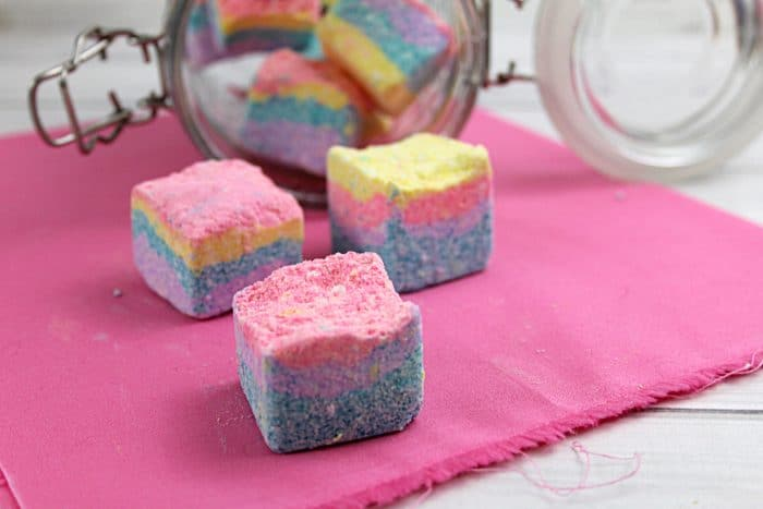 Soapy Unicorn Sugar Scrub Cubes - Easy DIY Beauty Tutorial that your kids are going to love making and using! #unicorn #diybeauty #fun #homemade