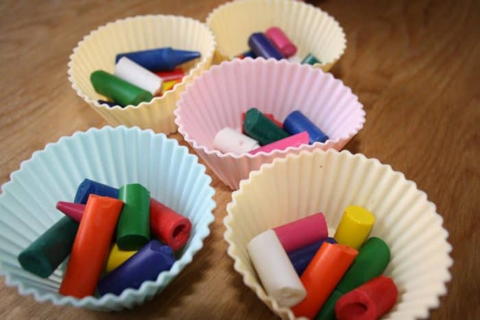Melted crayon cakes