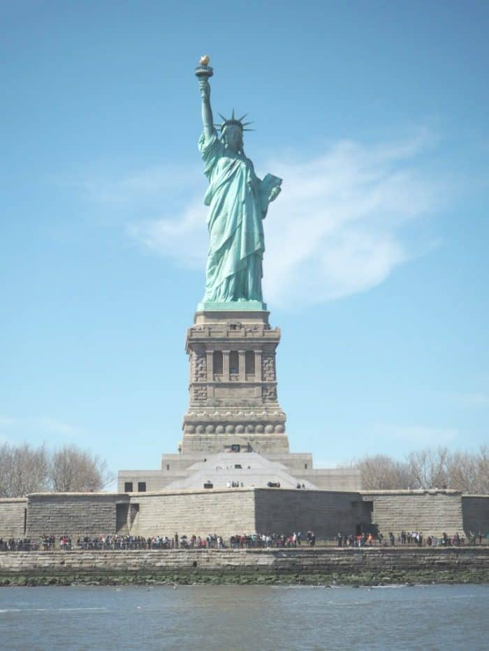 Essential New York Photos - 5 of my favourite photo spots in New York.... The Statue of liberty