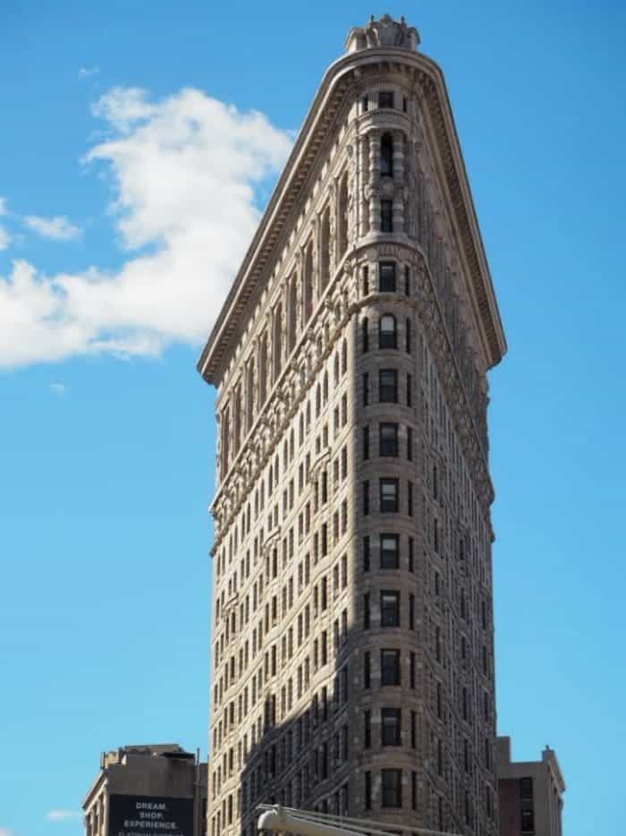 Essential New York Photos - 5 of my favourite photo spots in New York.... The flat iron building