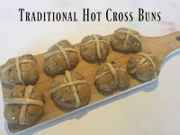 Traditional Hot Cross Buns {breadmaker compatible}...