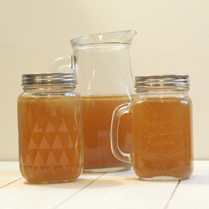 How to make homemade chicken stock