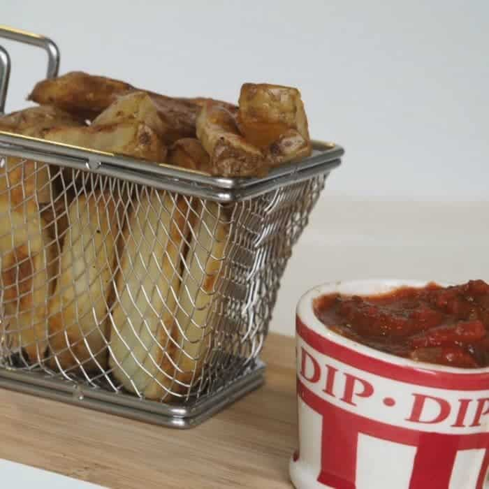 Hot to make perfect Slimming World Chips and syn free chunky tomato ketchup