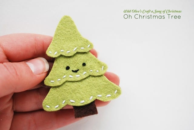 DIY Christmas tree pin